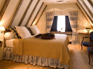 Deluxe room 32 (2).JPG